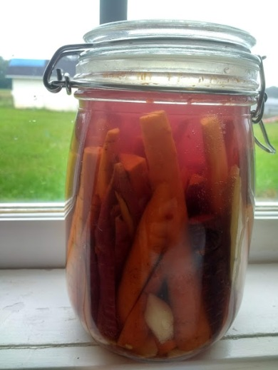 carrots in jar